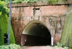 まんじトンネル